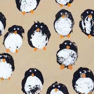 https://www.muminthemadhouse.com/diy-gift-wrap-potato-print-penguins/
