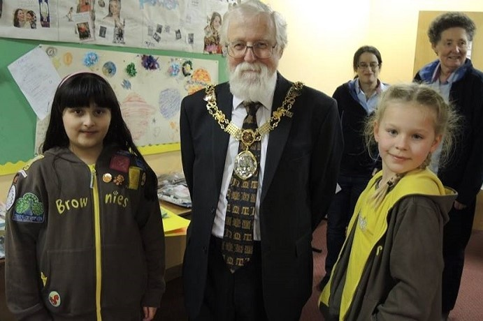 Lancaster Brownies take on Arts Award and discover some hidden talents