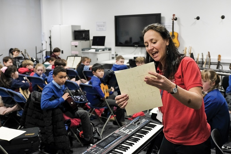 Top five tips for delivering Arts Award Discover to whole classes
