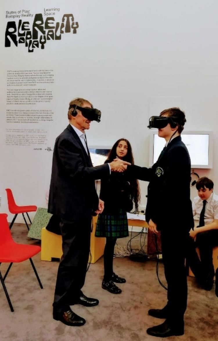 Sir Nicholas Serota experiences virtual reality with Arts Award group